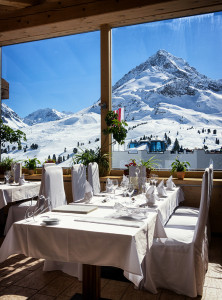 fine-dining-mounitains-window-film