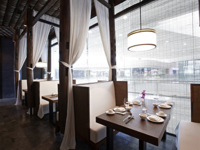 restaurant-interior-privacy-window-film